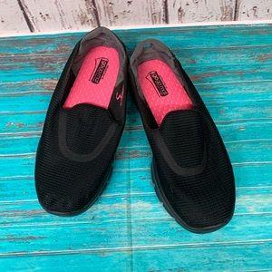 Skechers GoWalks Black sz 7